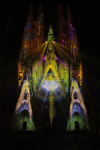 1670855-slide-gaudi-light-projection-0166.jpeg