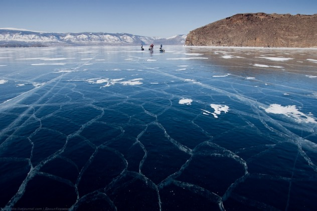 Ice-on-Lake-Baikal-17-632x422.jpeg