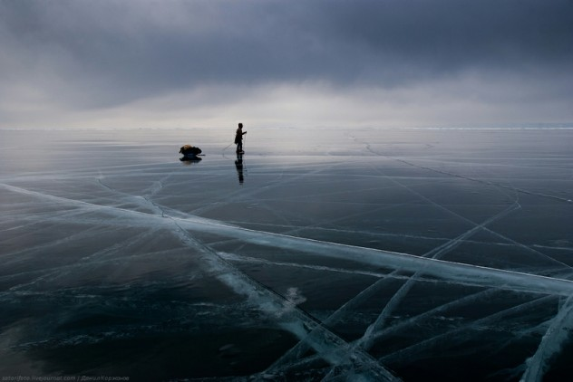 Ice-on-Lake-Baikal-09-632x422.jpeg