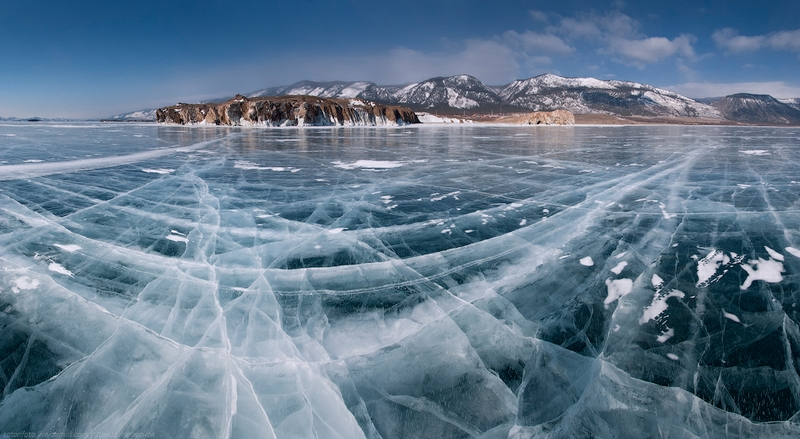 Ice-on-Lake-Baikal-03.jpeg