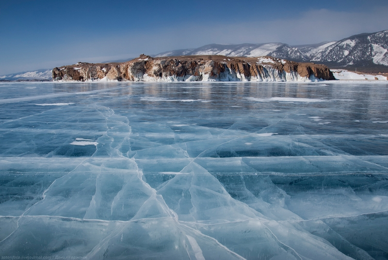 Ice-on-Lake-Baikal-02.jpeg