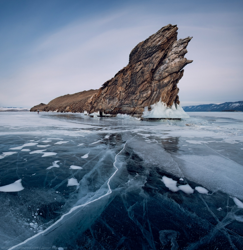 Ice-on-Lake-Baikal-01.jpeg