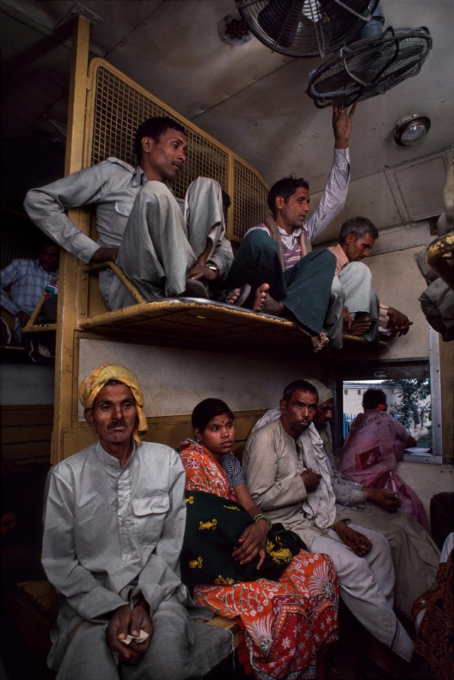 Trains-Steve-McCurry2-640x959.jpeg