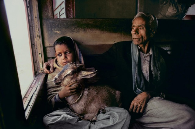 Trains-Steve-McCurry6-640x426.jpeg