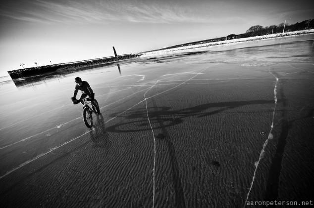Ice-biking-on-Lake-Michigan-02-634x421.jpg