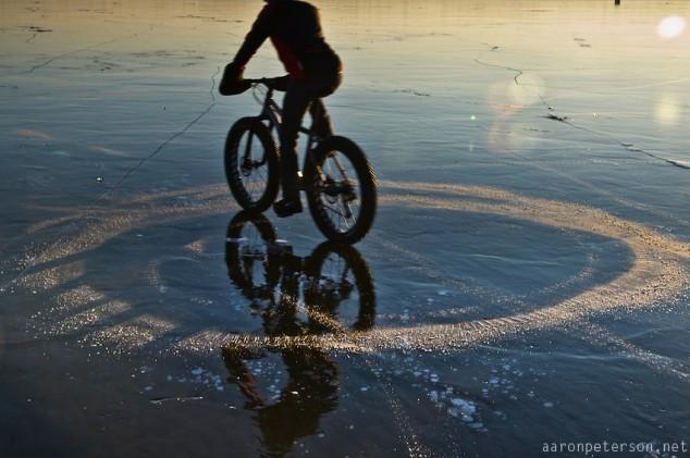 Ice-biking-on-Lake-Michigan-12-634x421.jpg