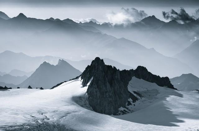 Mountains-of-Mist101-640x421.jpg