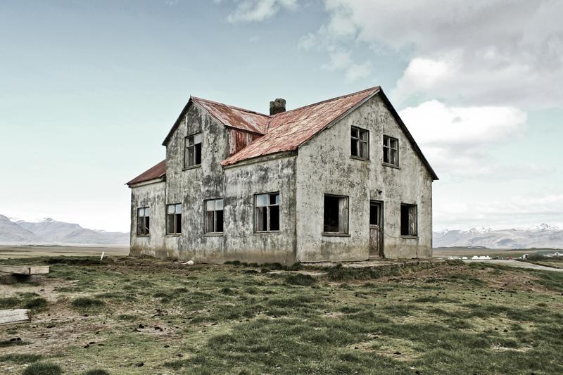 abandoned-iceland-houses-1.jpg