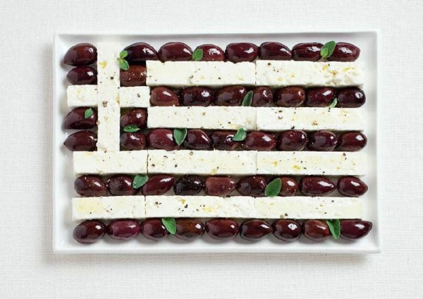 greece-flag-made-from-food-600x424.jpg