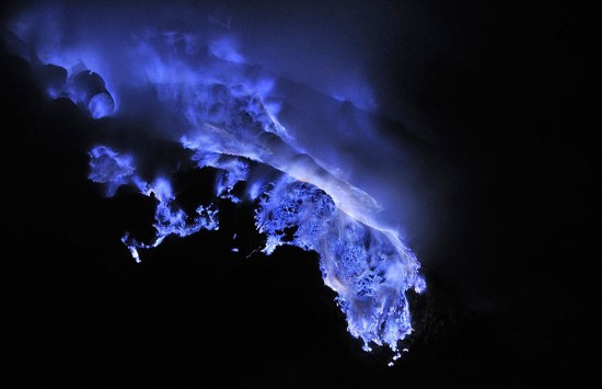 blue-lava3-550x355.jpg