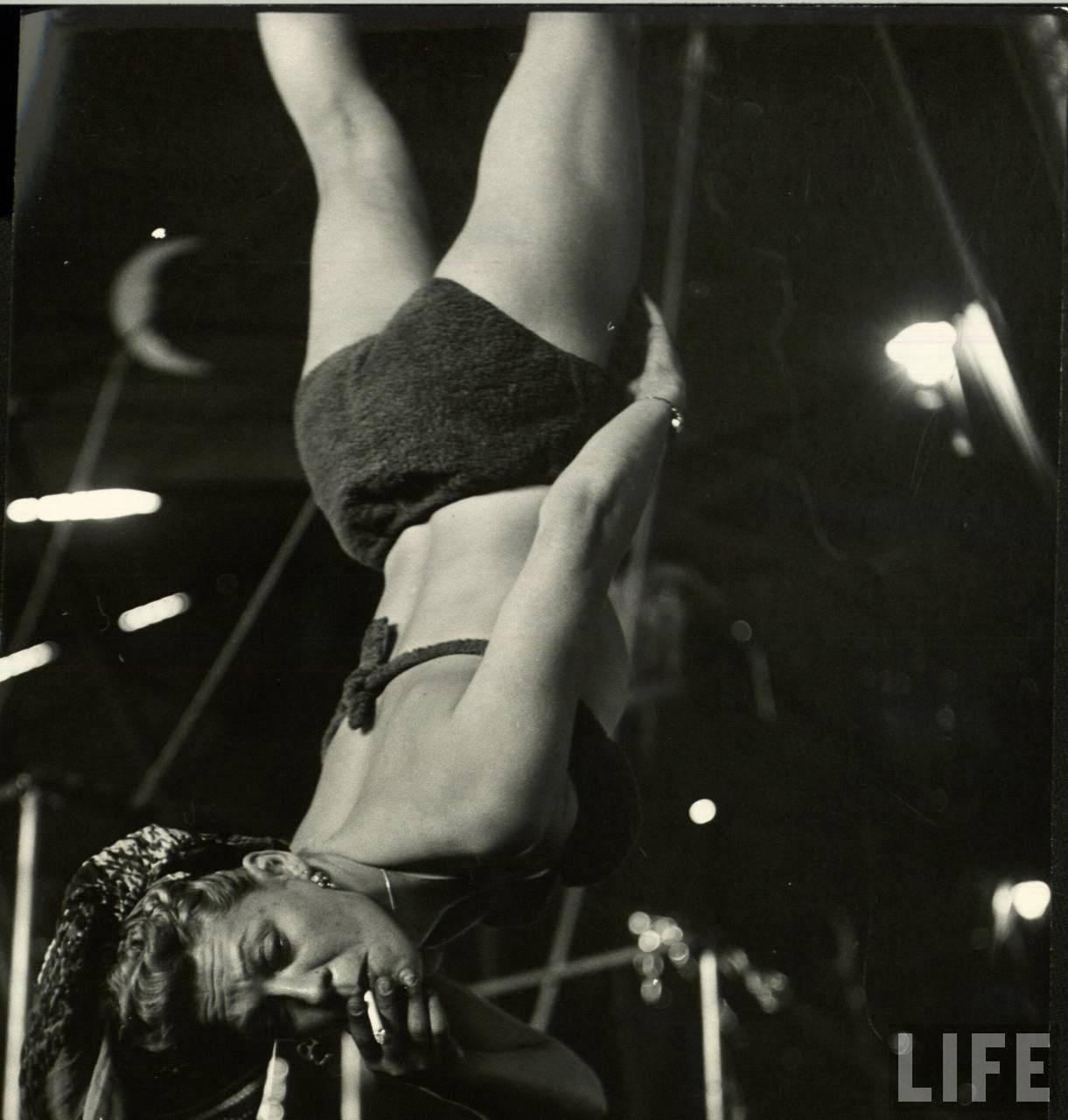 Daily Life of Circus Girls in Sarasota, Florida, ca. 1949 (13).jpg