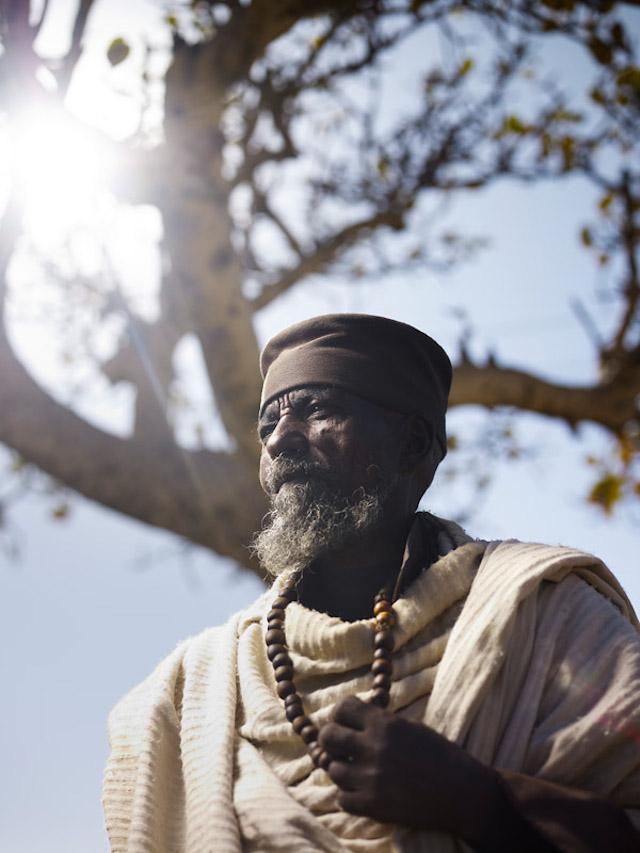 Holy-Men-Of-India4.jpg