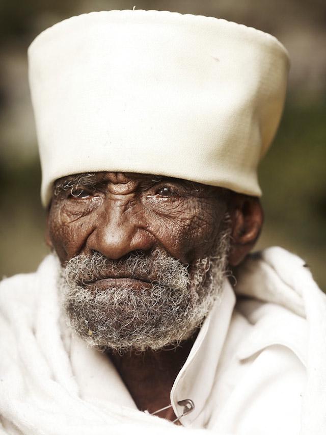 Holy-Men-Of-India5.jpg