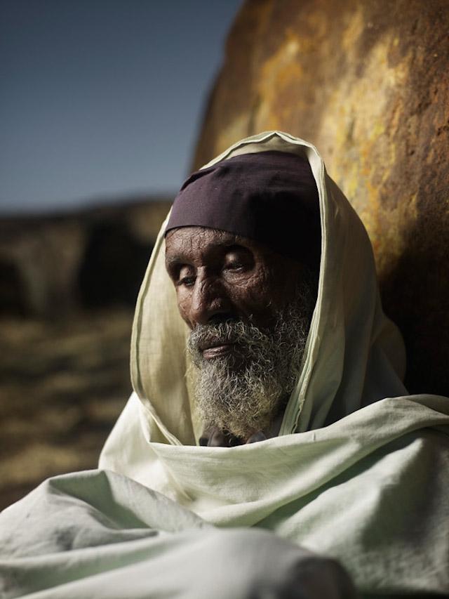 Holy-Men-Of-India3.jpg