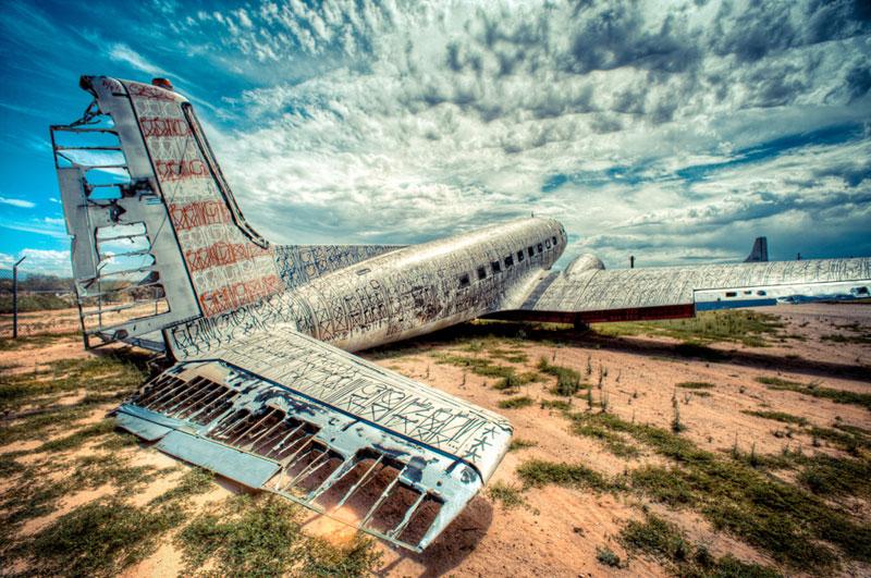 the-boneyard-project-art-on-old-planes-1.jpg