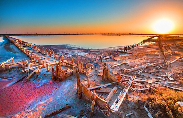 Rotten-Sea-by-Sergey-Anashkevych-7.jpg
