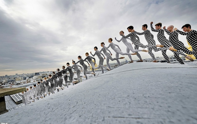 Rooftop-Dancers-in-Paris-by-JR-3.jpg