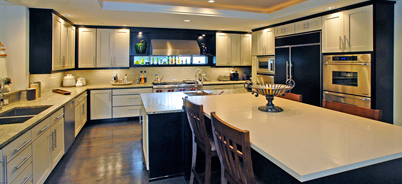 Some color contrast in your Canyon Creek kitchen