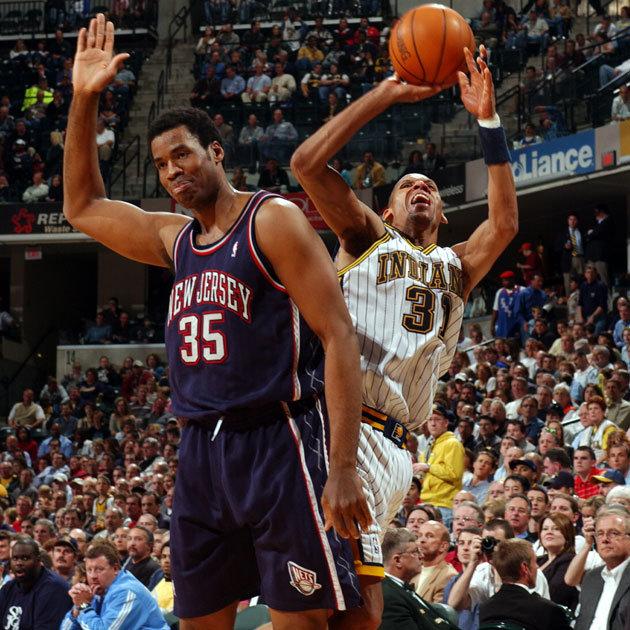 رجی میلر ، از اعضای جدید تالار مشاهیر بسکتبال، کسی بود که این نوع خطا گرفتن را در ان بی ای به حد اعلای خود رساند