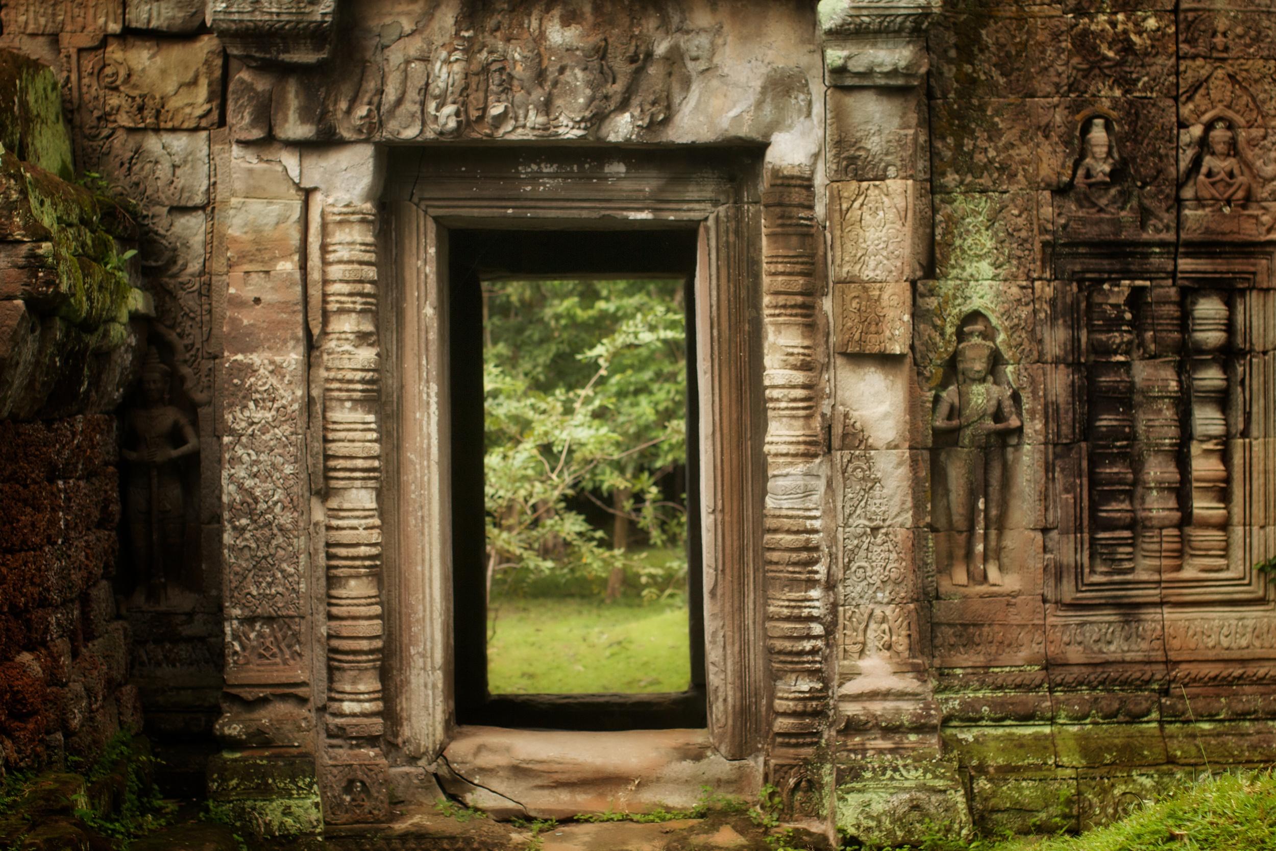 Doorway at Preah Khan.jpg