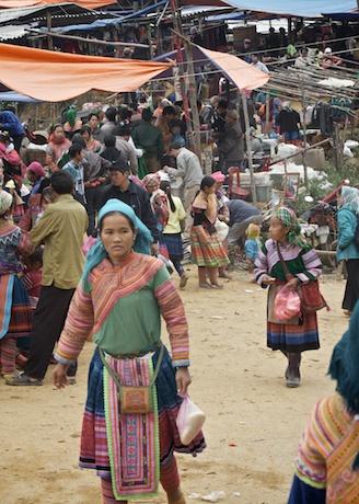 Cock Ly market outside Sapa vietnam