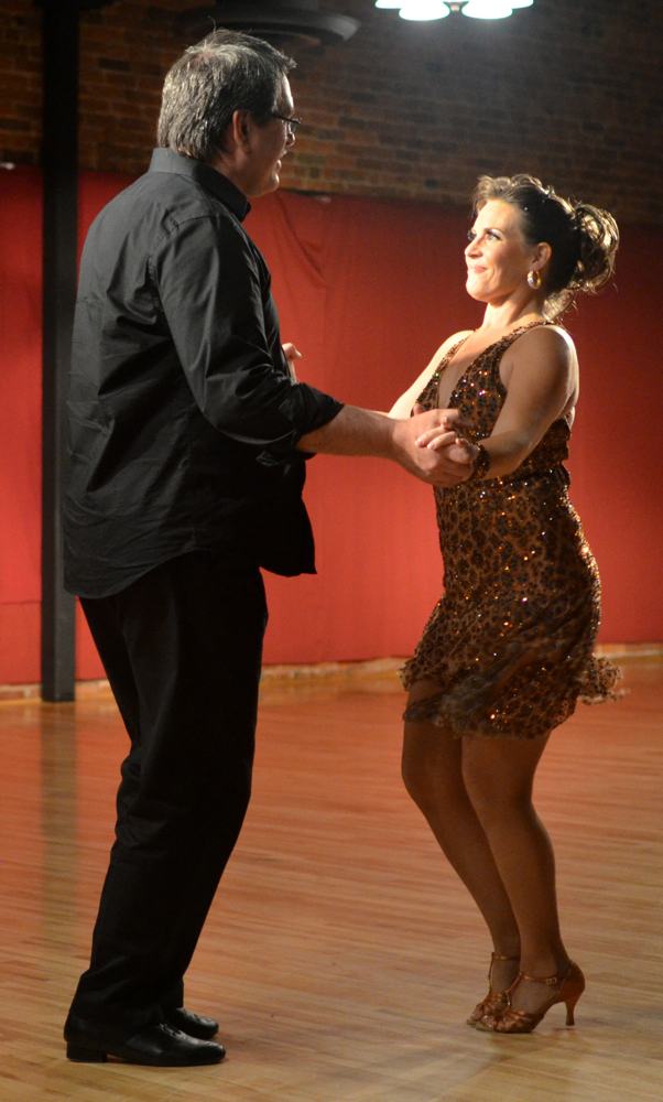 Scott Rogge and Shelley Fritz performing a Cha Cha