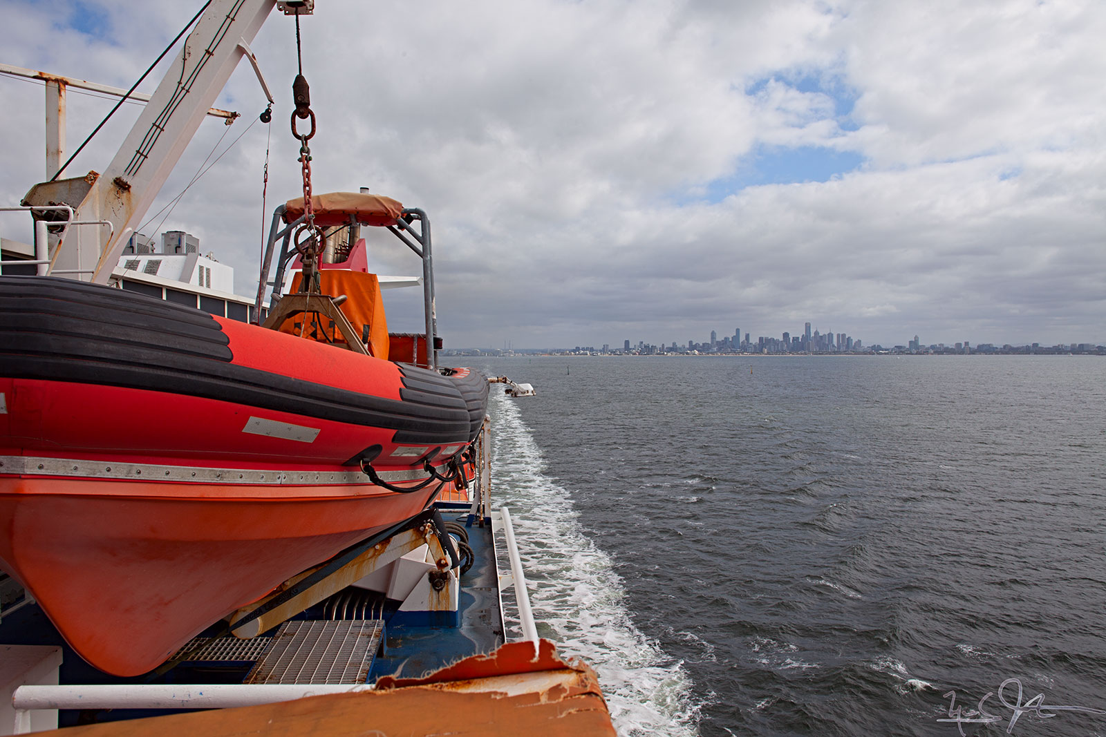 """Spirit of Tasmania II"" puts Melbourne astern."