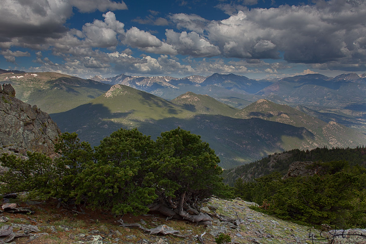 Clouds over the Continental Divide from near the top of Twin Sisters.