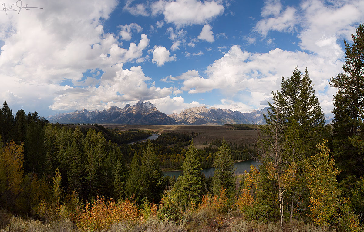 The eastern face of the Teton range from the Snake River overlook.