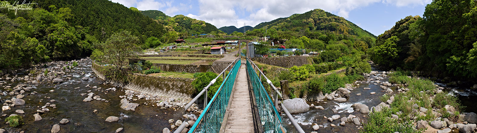 """Footbridge across the Kawazu River [河津川] above Yugano[湯ヶ野], Shizuoka Prefecture [静岡県], Japan. For a video and music I composed about my many hours in these beautiful mountains,  click here and scroll down the page that opens to find """"Amagisan Doro """"."""