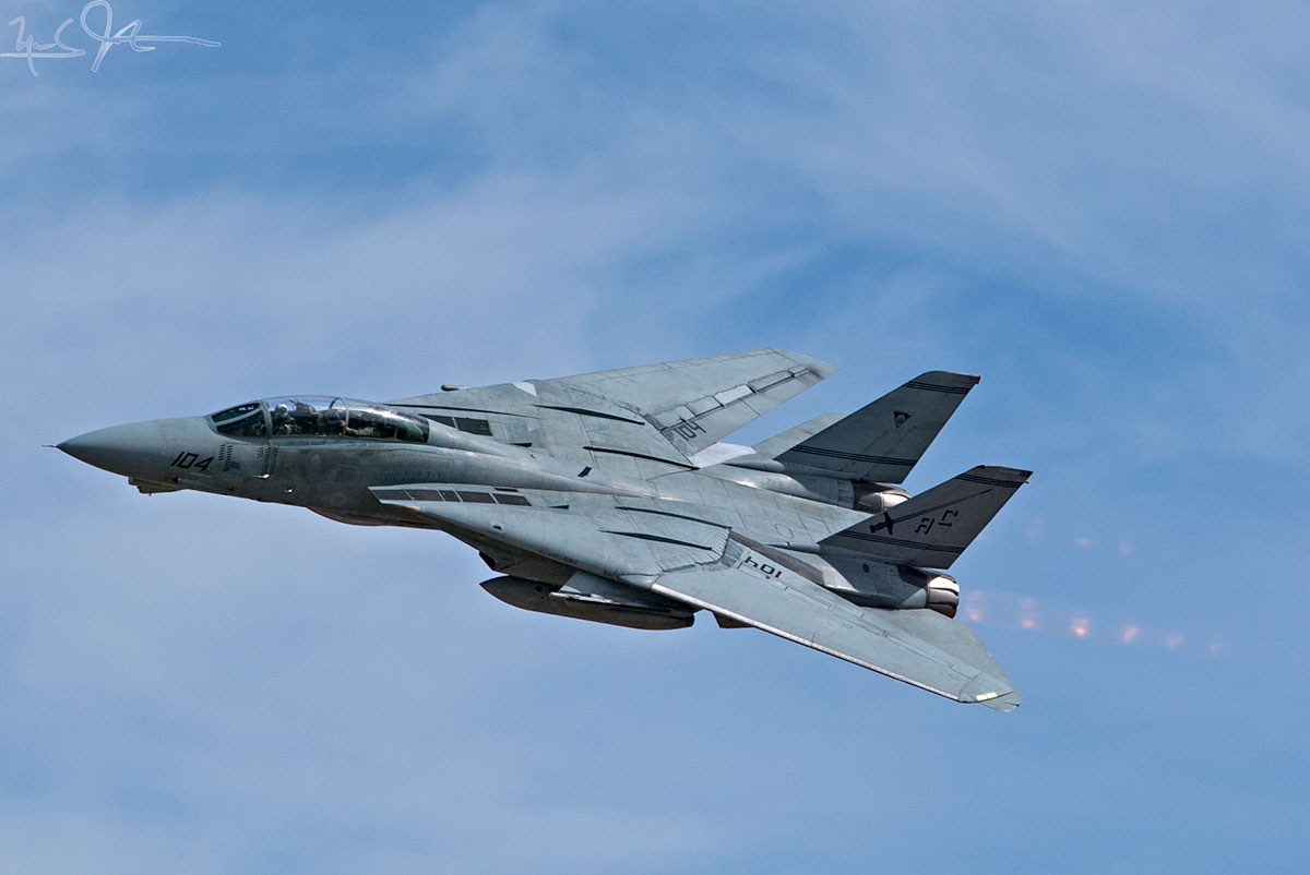 High-speed pass by an F-14 Tomcat.