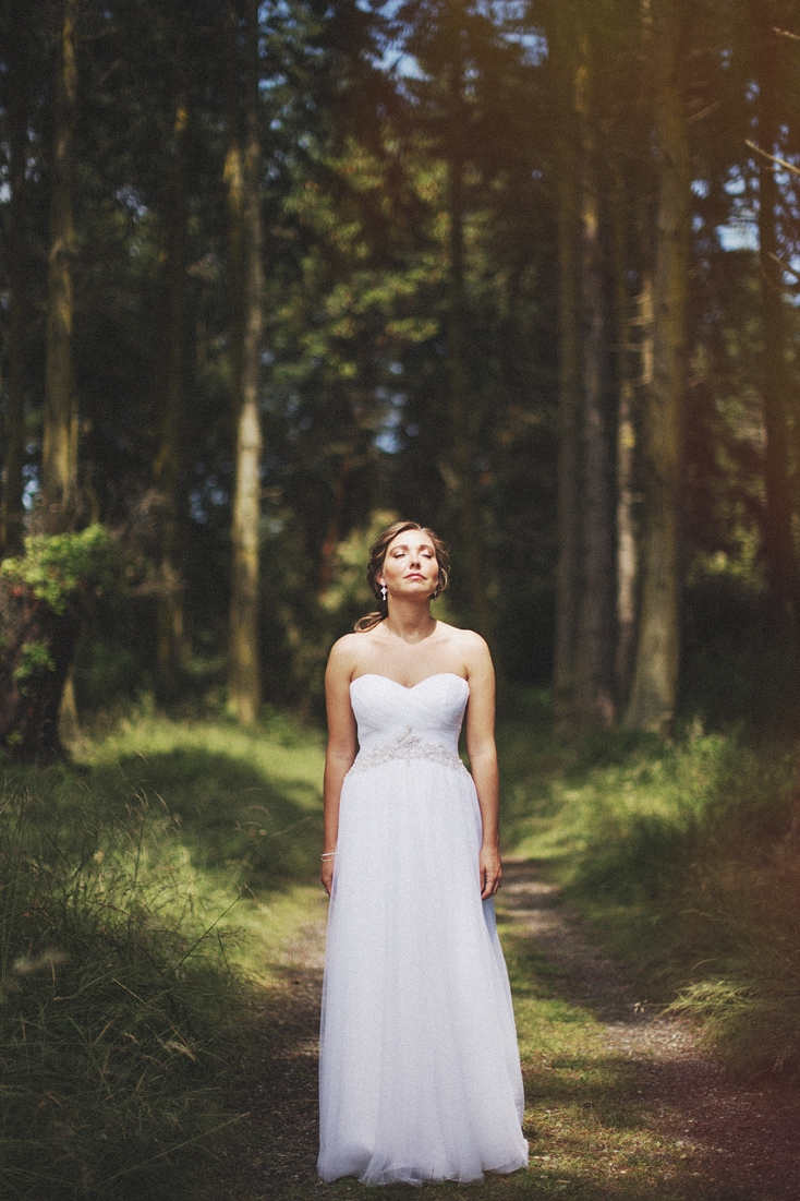 creative bride portrait
