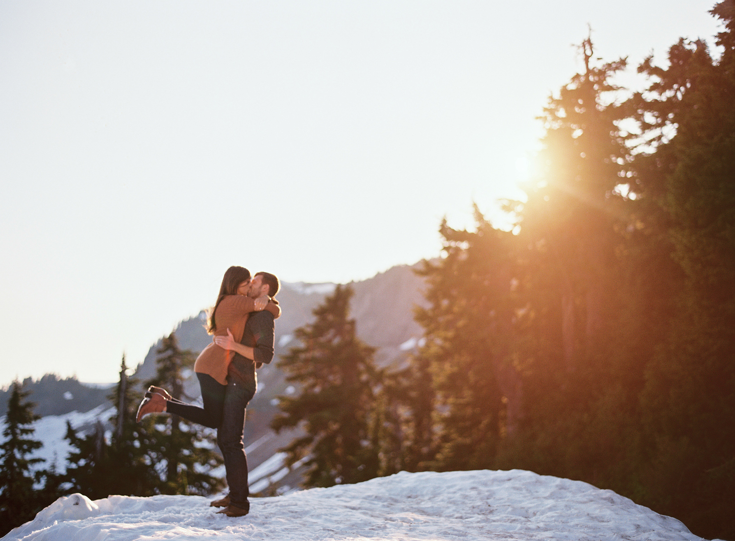 ryan-flynn-seattle-pnw-mountain-engagement-film-0019.JPG