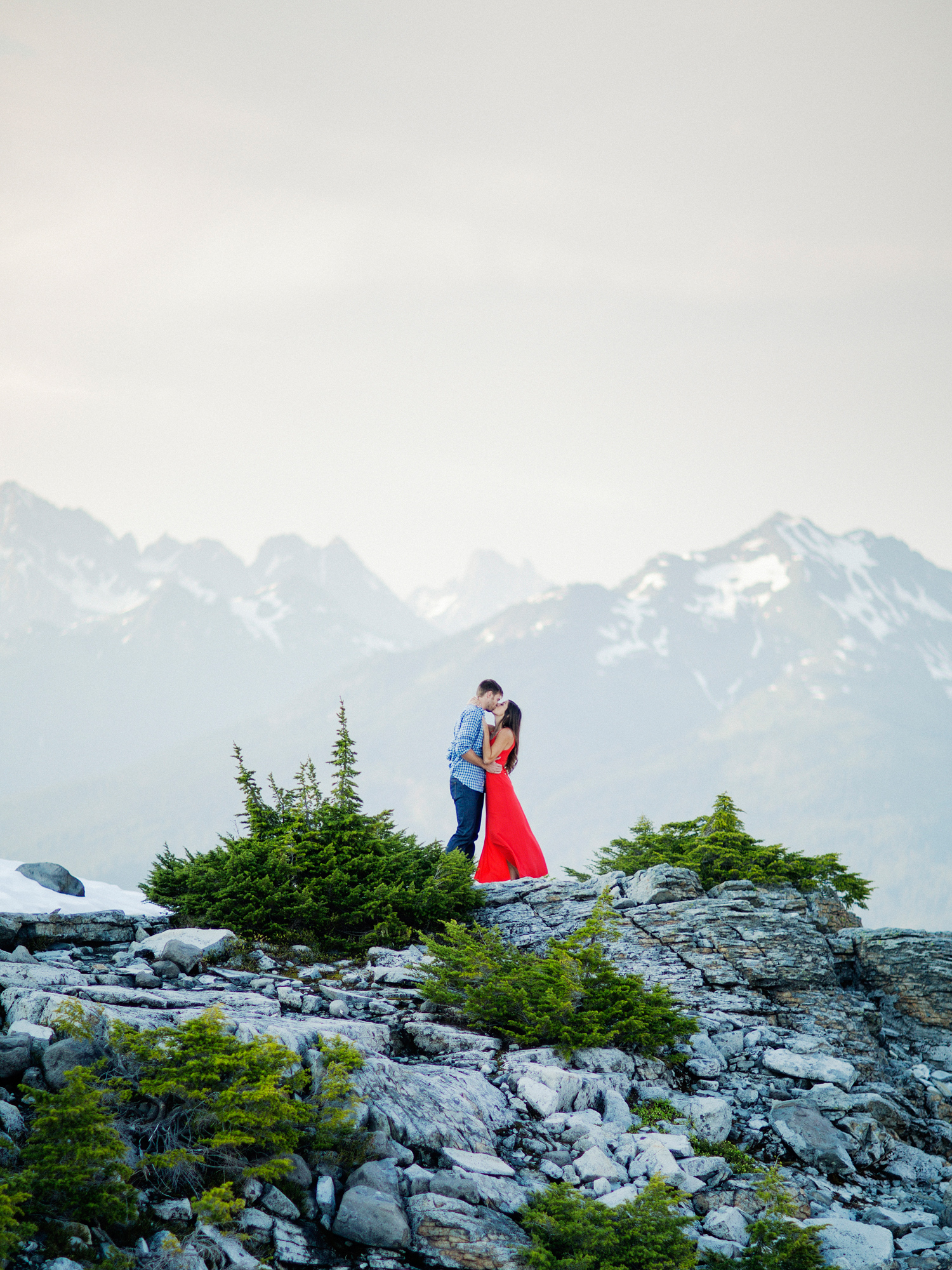 ryan-flynn-seattle-pnw-mountain-engagement-film-0029.JPG