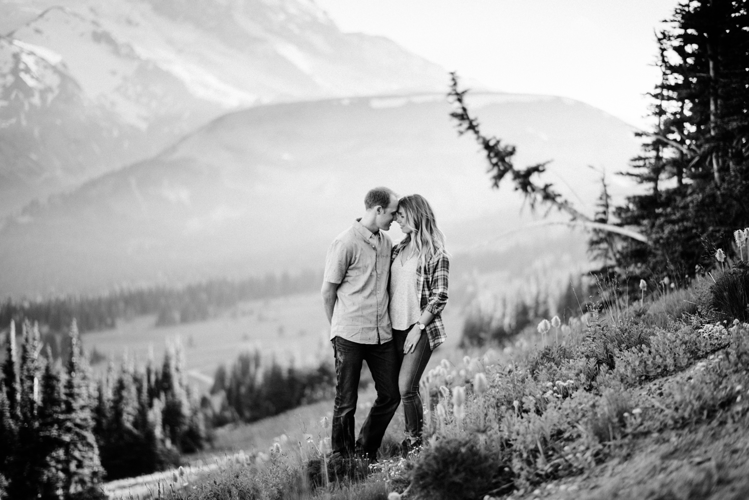 016-mt-rainier-adventure-engagement-session-seattle-film-photographer-ryan-flynn.jpg