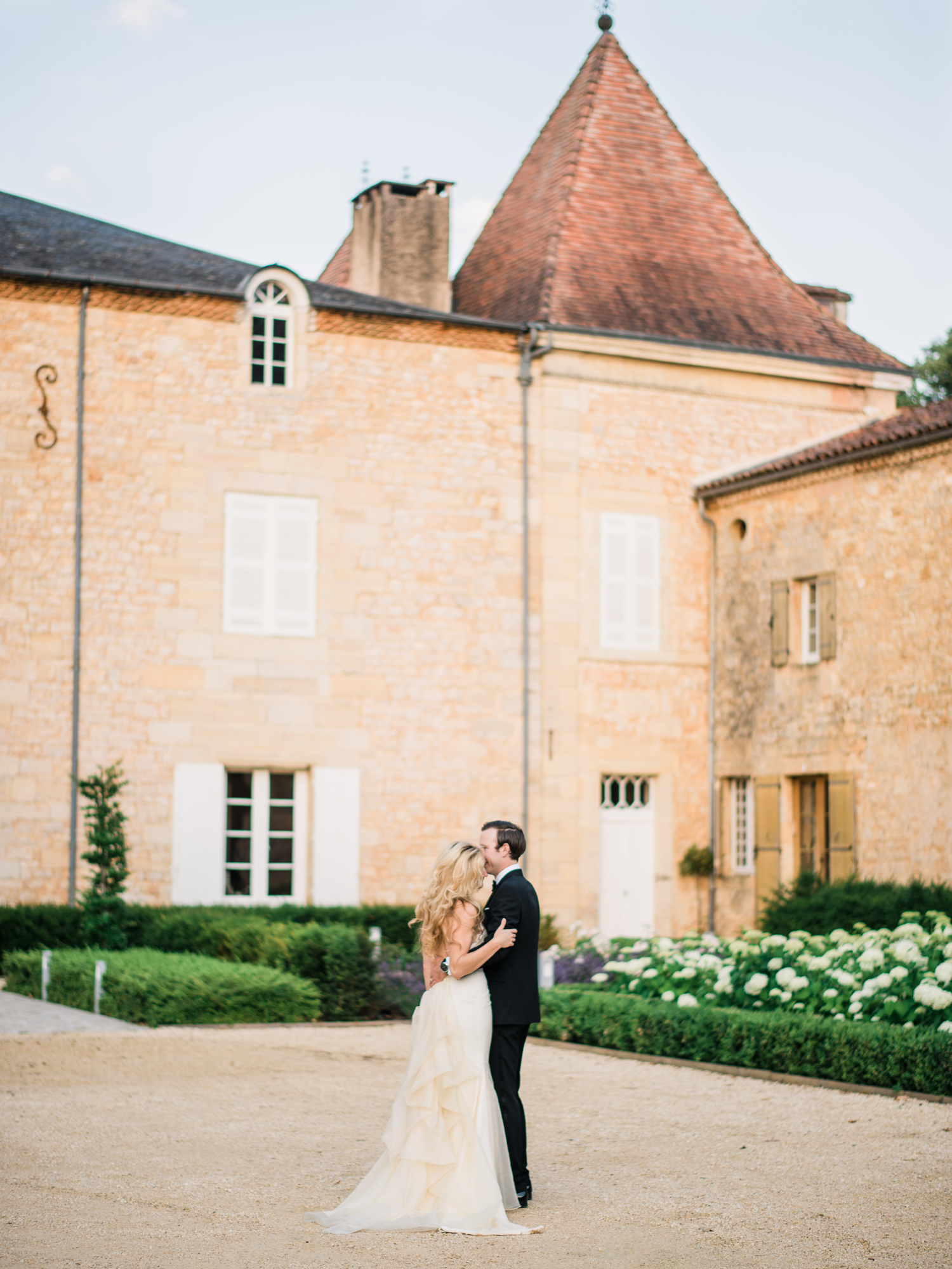 092-french-chateau-destination-wedding-south-france-film-photographer-ryan-flynn.jpg