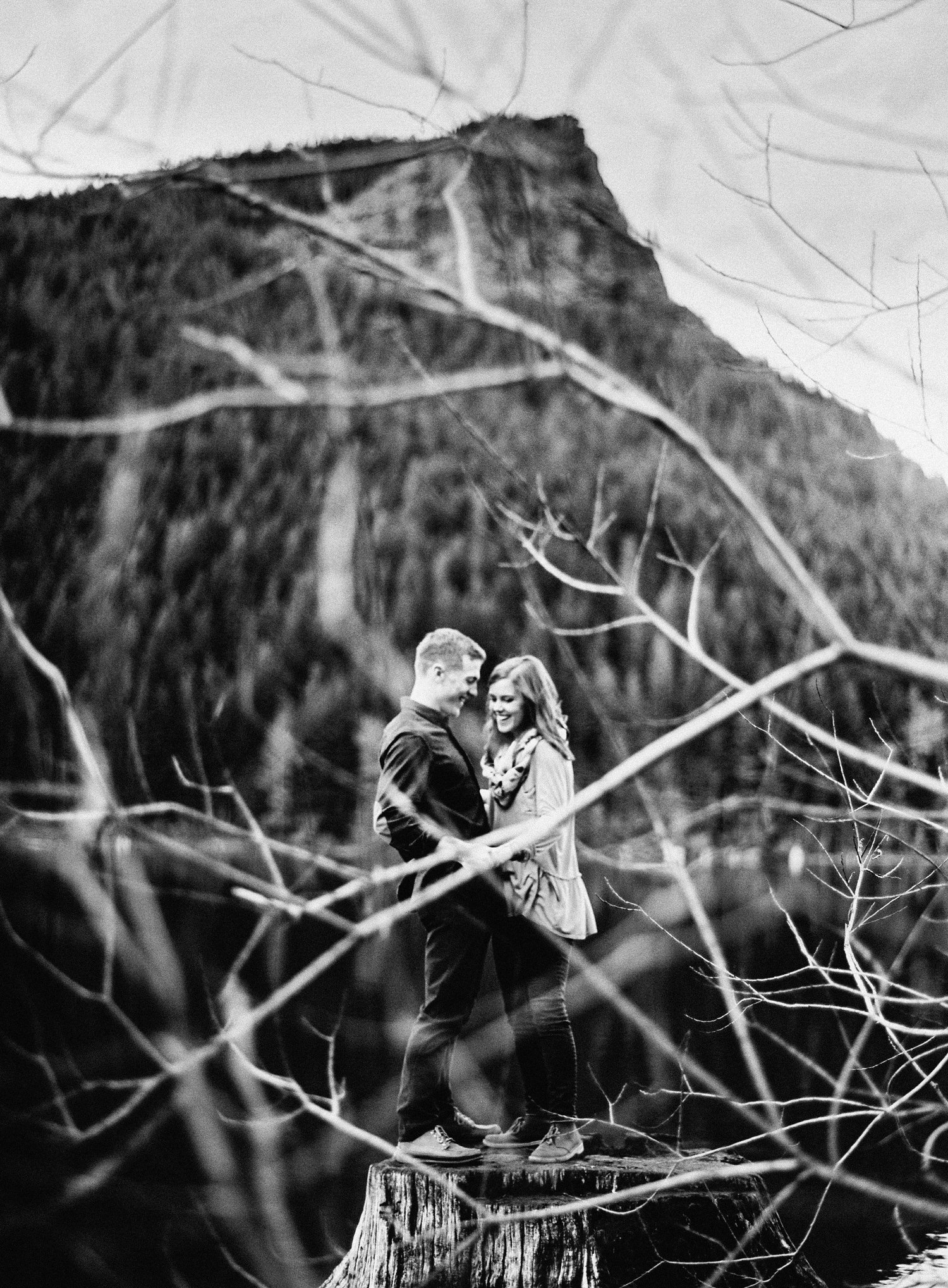 005-snoqualmie-mountain-engagement-session-seattle-film-wedding-photographer-ryan-flynn.jpg
