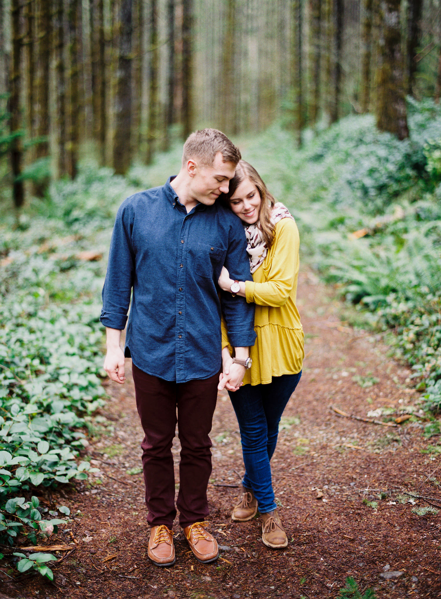016-snoqualmie-mountain-engagement-session-seattle-film-wedding-photographer-ryan-flynn.jpg