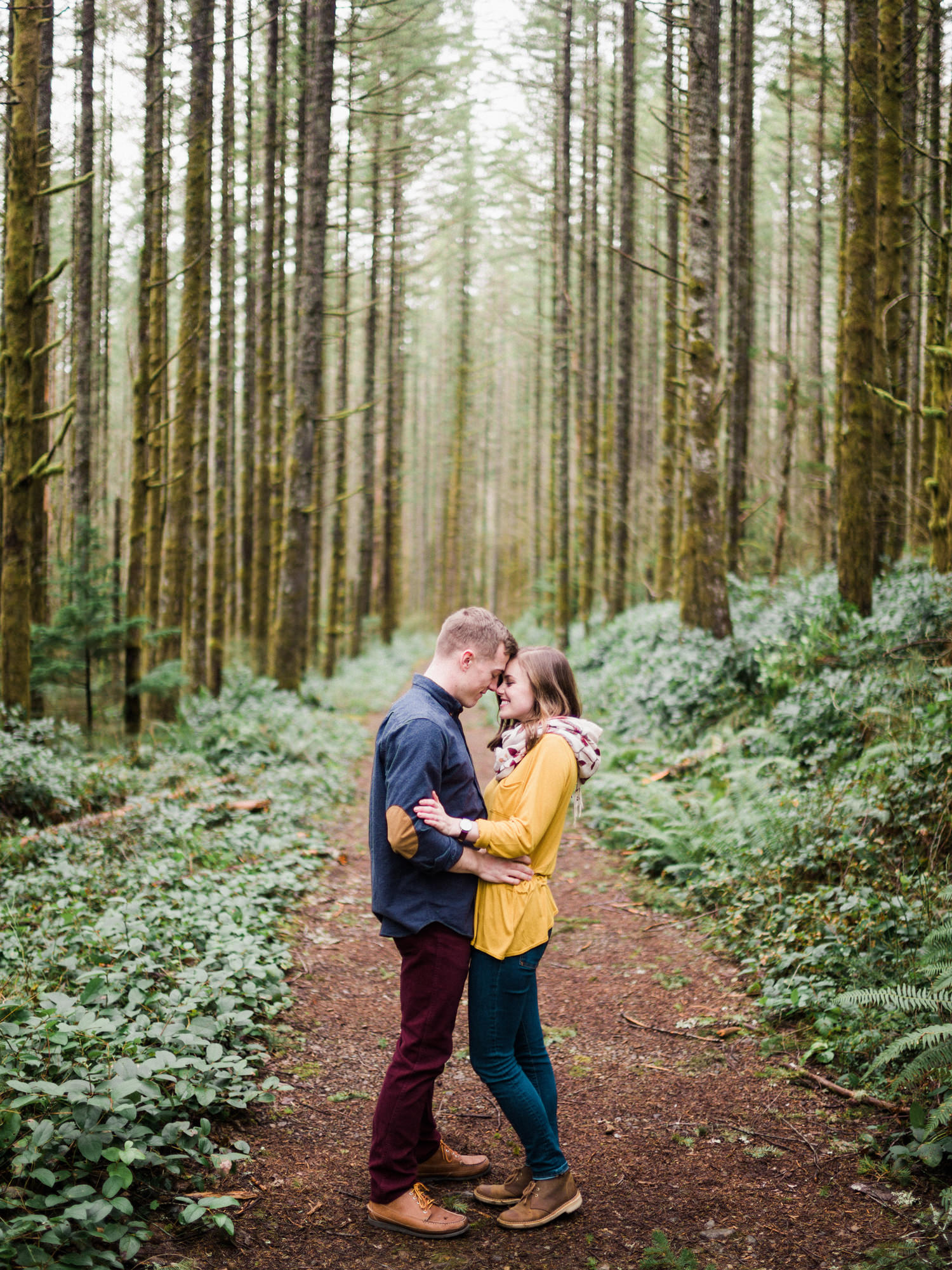 018-snoqualmie-mountain-engagement-session-seattle-film-wedding-photographer-ryan-flynn.jpg