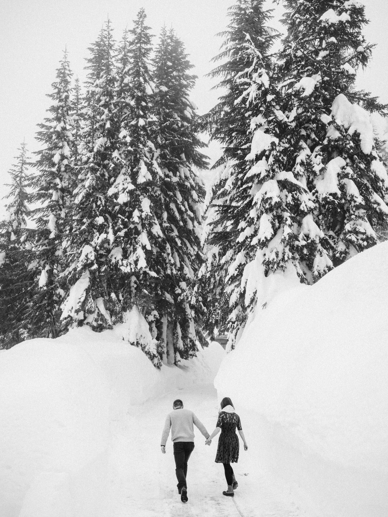 034-snoqualmie-mountain-engagement-session-seattle-film-wedding-photographer-ryan-flynn.jpg
