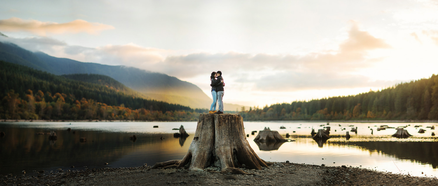 054-rattlesnake-lake-engagement-by-seattle-film-photographer-ryan-flynn.jpg