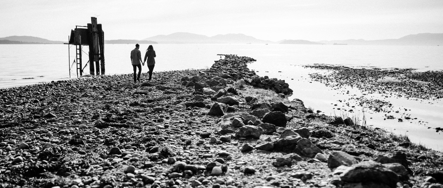 101-bellingham-boundary-bay-adventure-engagement-session-by-best-seattle-photographer.jpg