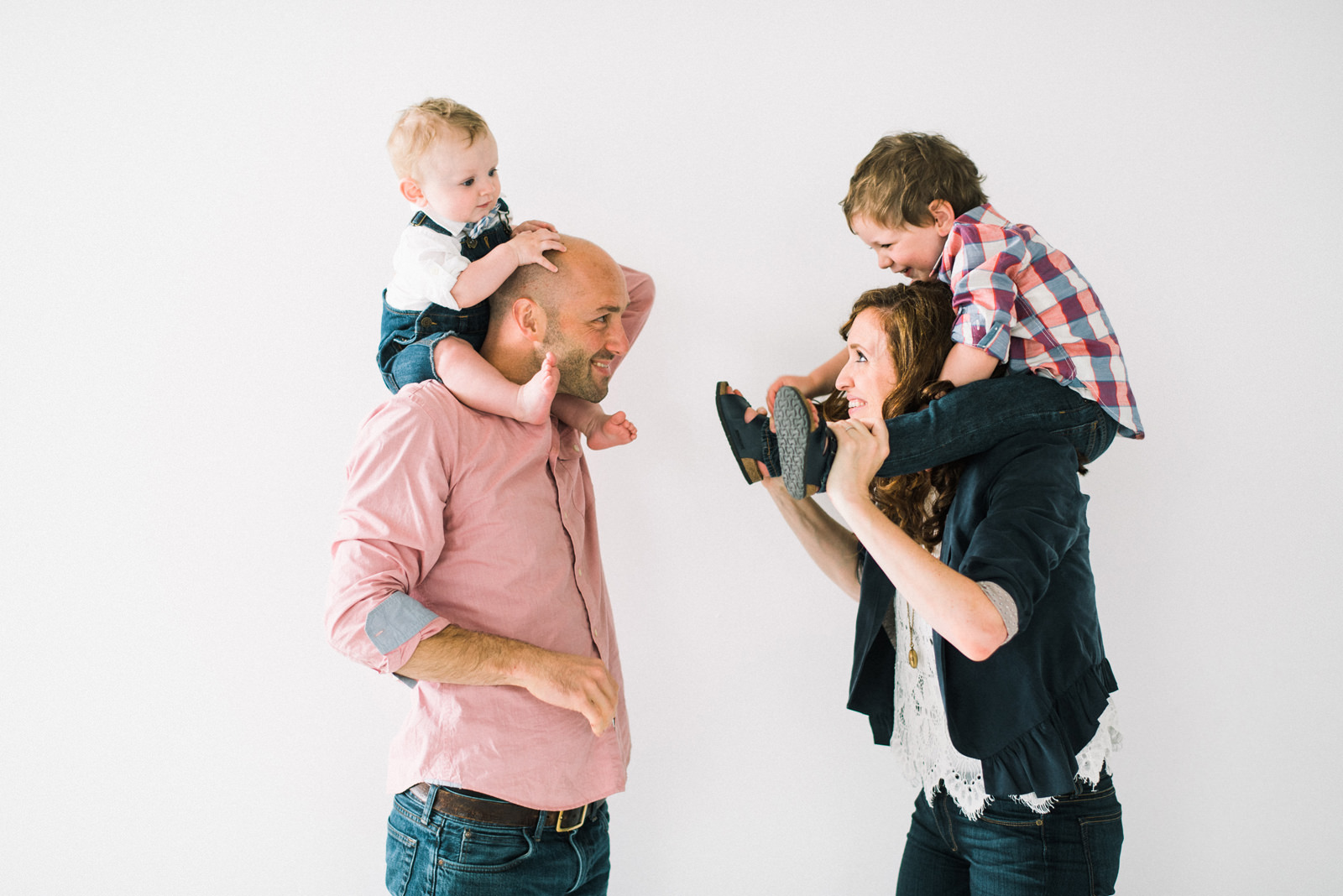 119-natural-light-studio-family-portraits-in-seattle-washington.jpg