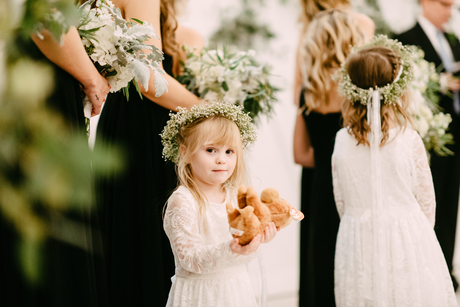 141-the-white-sparrow-barn-in-dallas-with-boho-flower-girls.jpg