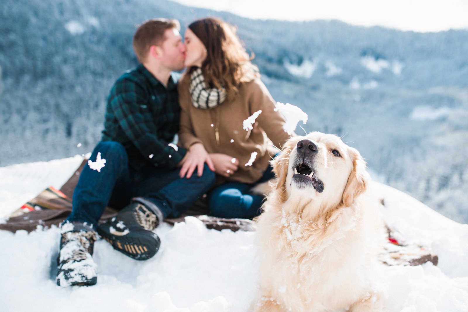 144-snowy-mt-rainier-engagement-photo-with-golden-retriever.jpg
