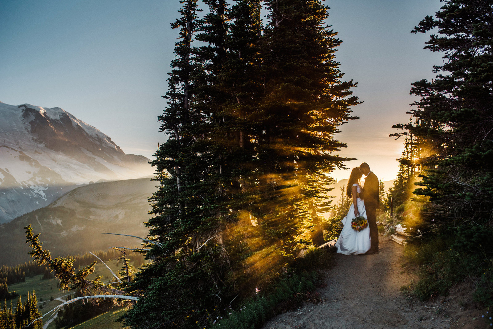 180-mt-rainier-elopement-photo-with-godrays-by-northwest-elopement-photographer.jpg