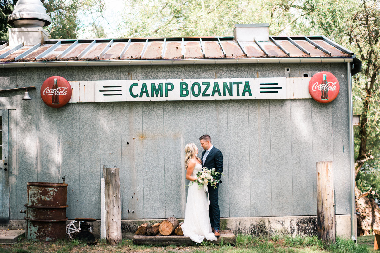 219-hayden-lake-wedding-with-vintage-camp-signs-from-idaho-film-photographer-ryan-flynn.jpg