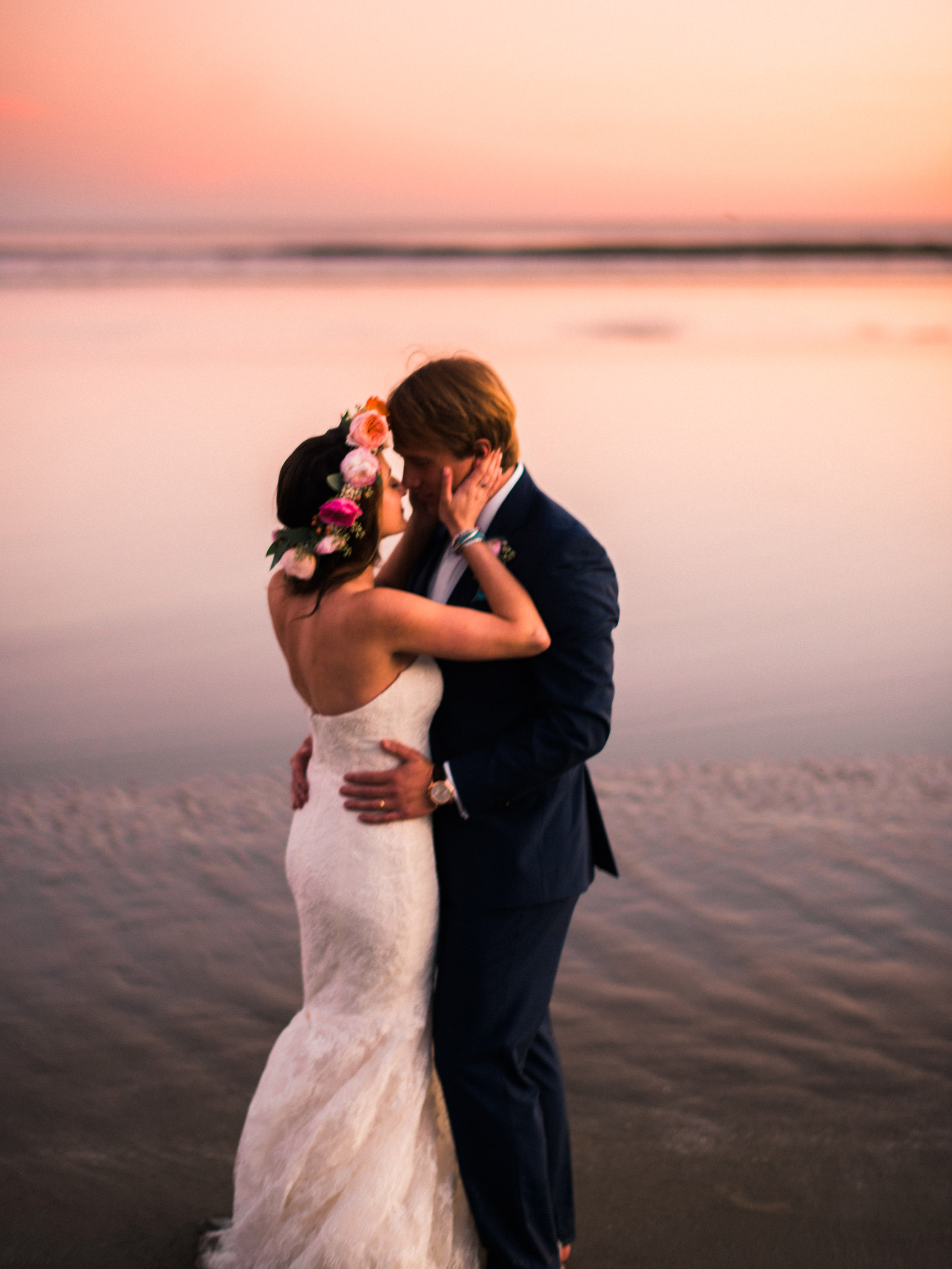 228-wickaninnish-inn-sunset-in-tofino-bc-by-best-northwest-elopement-photographer-ryan-flynn.jpg