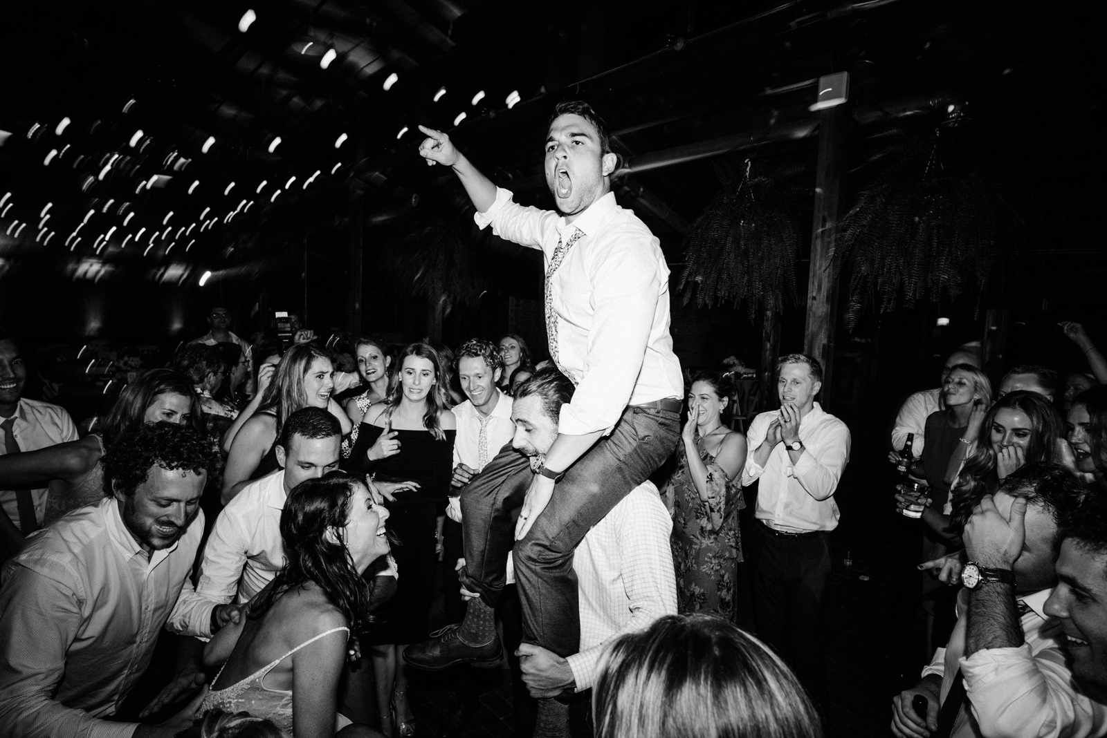 241-amazing-jewish-wedding-dance-party-at-kiana-lodge-by-film-photographer-ryan-flynn.jpg