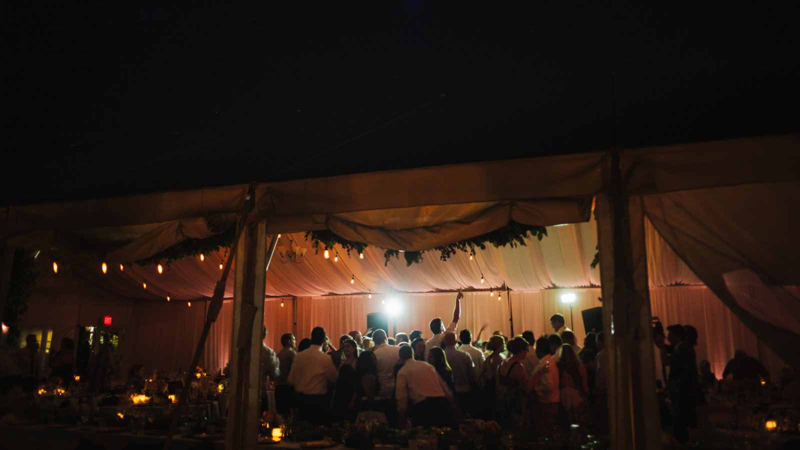 255-chambers-bay-golf-course-wedding-with-tented-reception-party.jpg